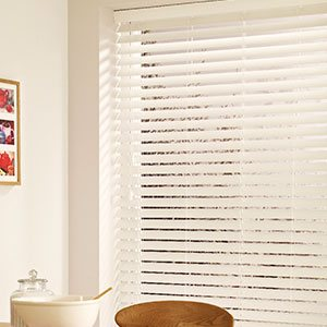 Wooden Venetian Blinds >>